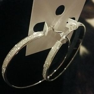 Jewelry - Sparkly hoop silver earrings